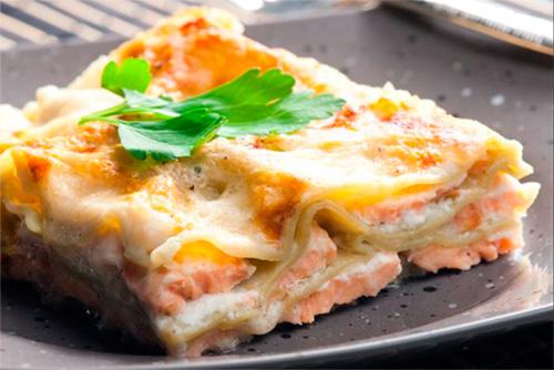 Lasagna de berenjenas y salmón – Receta